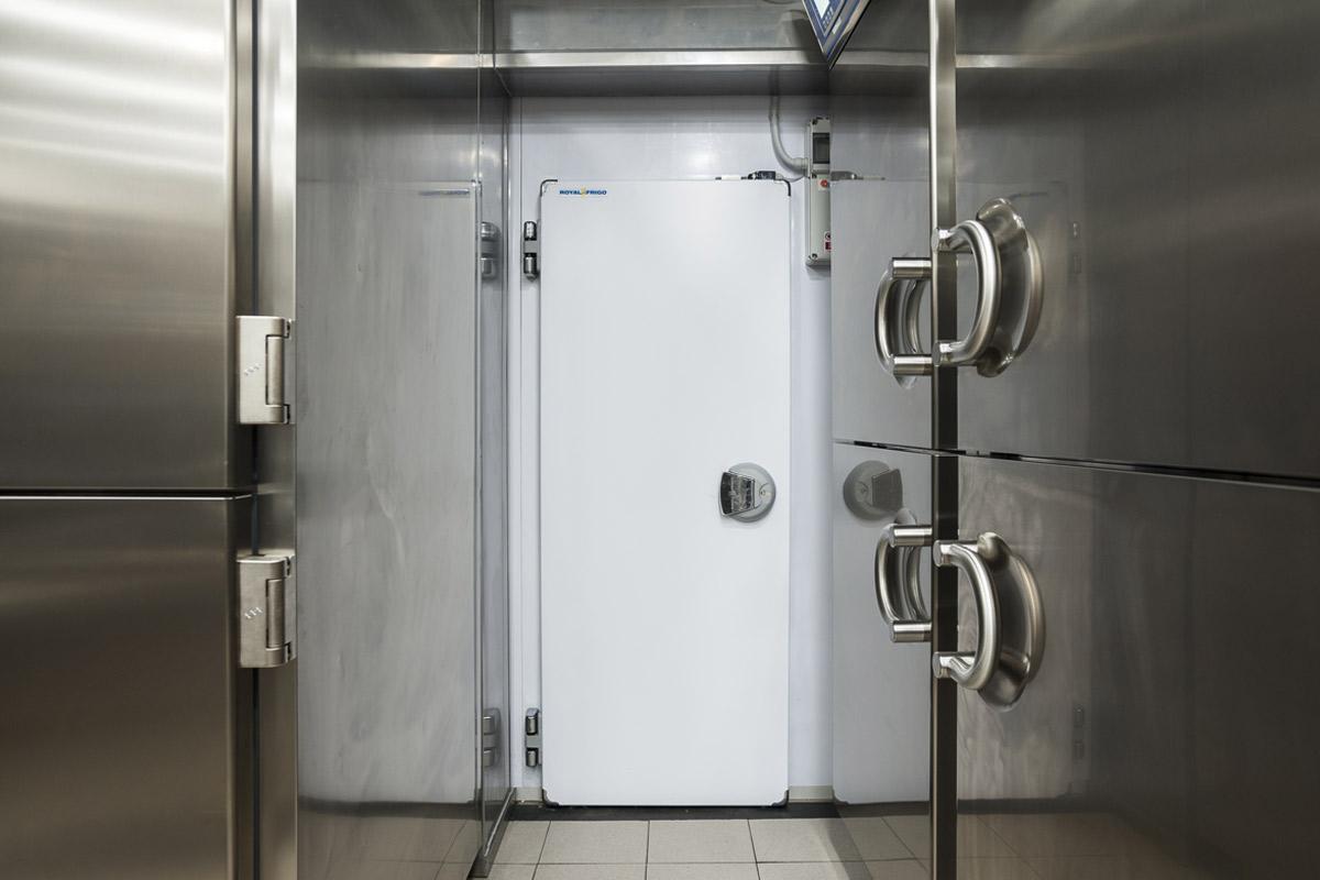 Quaranta-Laboratorio-di-gelateria-e-conservazione-artigianale-celle-frigorifere-per-la-conservazione-royal-frigo