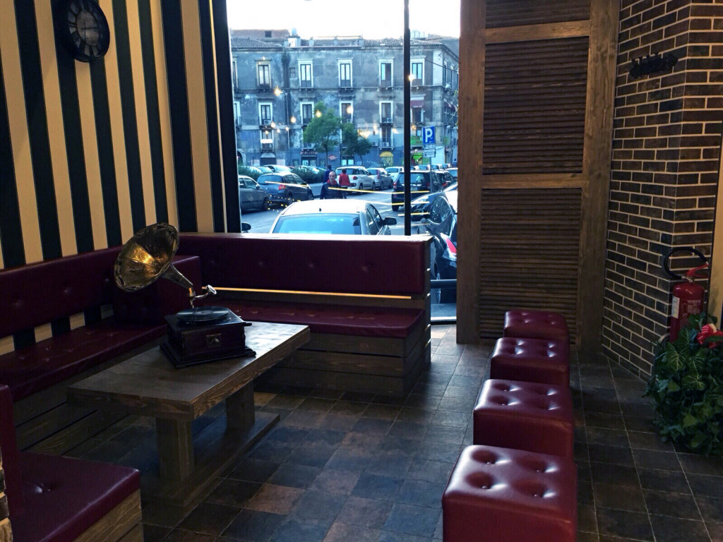"Nuova apertura in città, del burger drinks ""Feelin' Good"""