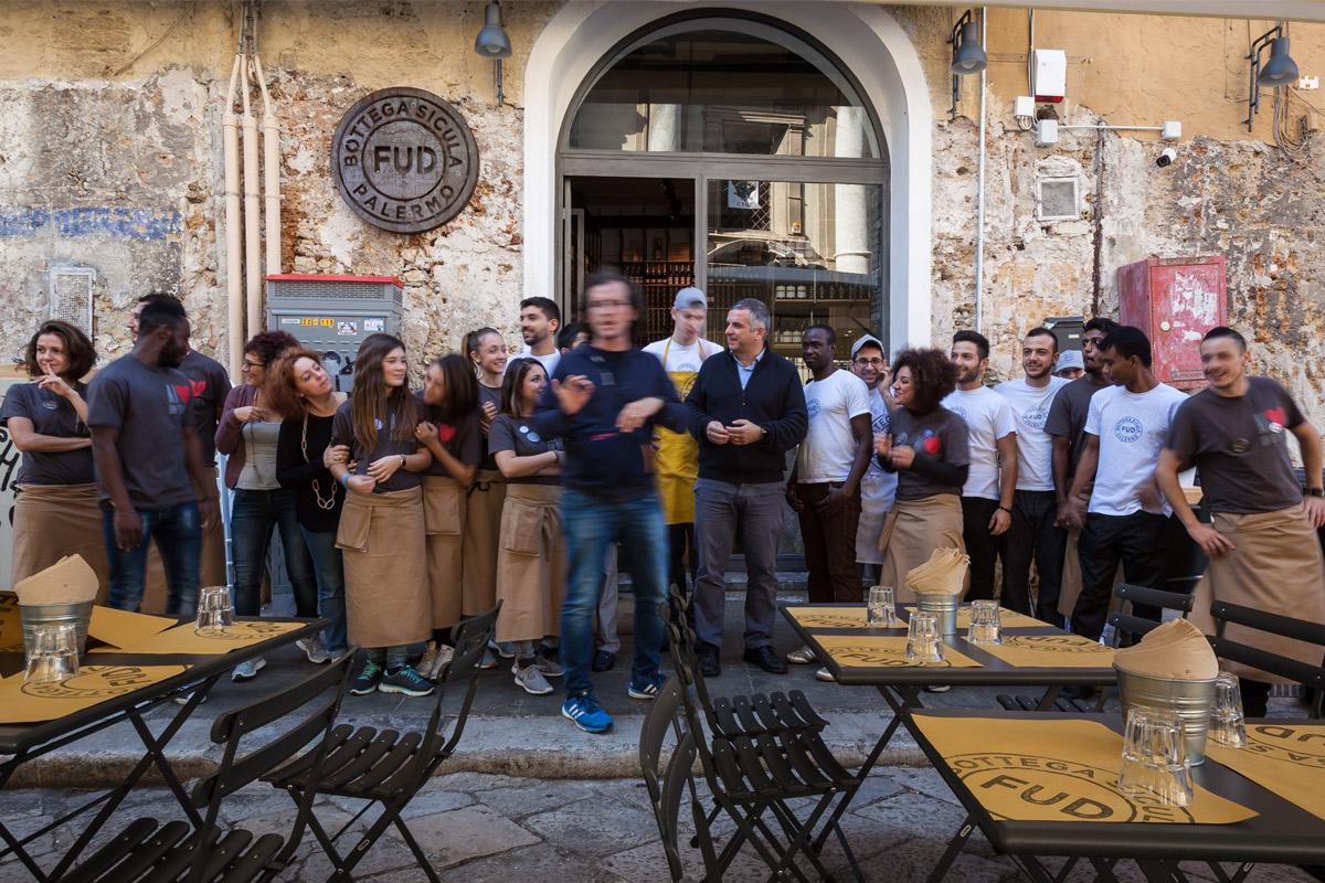 FUD-Bottega-Sicula-Palermo-inaugurazione-foto-di-gruppo